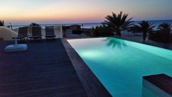 Seabel Rym Beach : Piscine à débordement privé !
