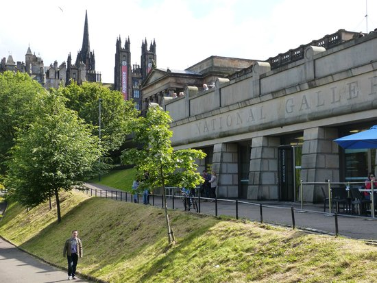 Scottish National Gallery: The Gallery from Princes Gardens