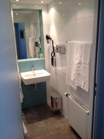 MEININGER Hotel Wien Downtown Franz : bathroom