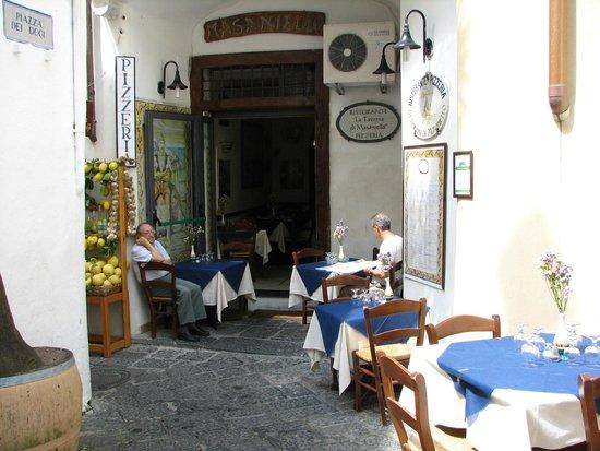 La Taverna di Masaniello: Perfectly Italian