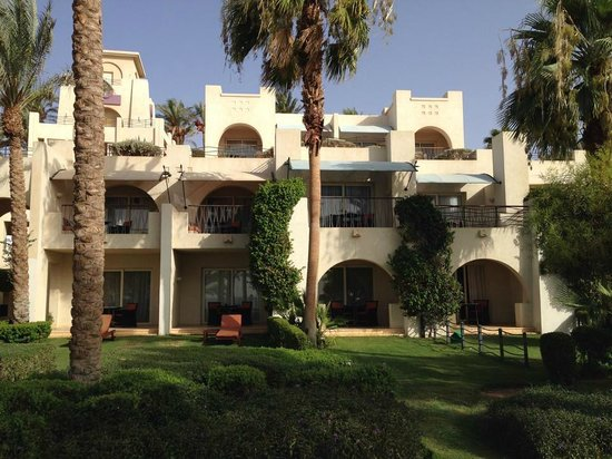 Grand Rotana Resort & Spa : our rooms from the outside