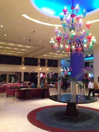 Grand Rotana Resort & Spa : the reception lobby and bar