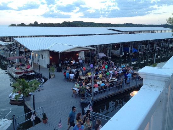 Fishtales grill at cedar creek marina mount juliet for Fish tales restaurant