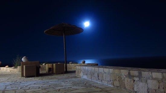 Psaravolada Resort: il sorgere della luna piena
