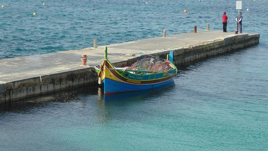 Mellieha Beach : Boat