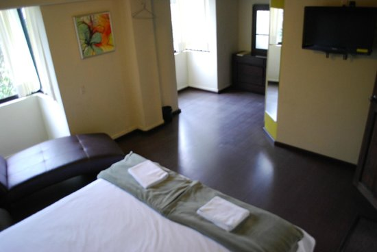 Jardines de Luz Hotel: Habitacion cama King Size c/bañera