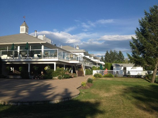 South Thompson Inn & Conference Center: The hotel
