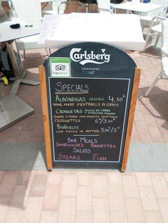 Mogs Bar : Specials menu