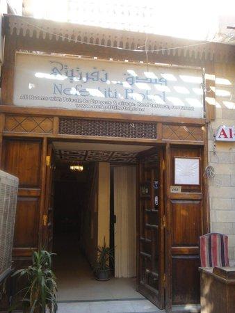 Nefertiti Hotel: Frente do hotel