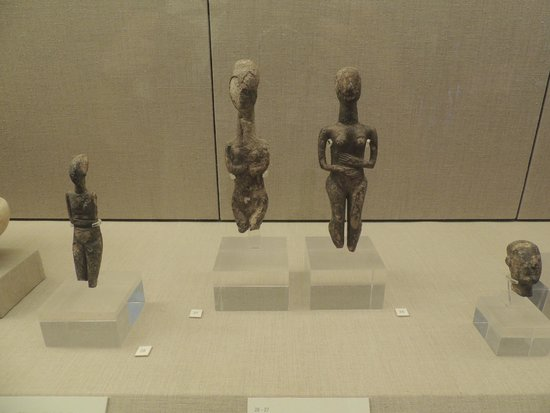 Museum of Prehistoric Thera : Early Cycladic figurines - 2800-2700 BC