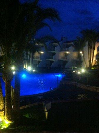 Aparthotel Playas Ca's Saboners: Room view at night