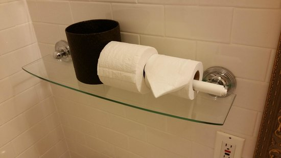 Castle Hotel & Spa: a half used roll of toilet paper when i arrived in my room