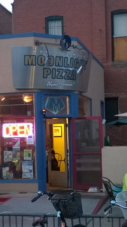 Moonlight Pizza & Brewpub: Moonlight