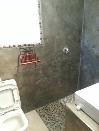 Okaukuejo Resort : Bathroom