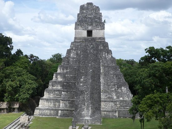 Tempel I: Parte frontal del Gran Jaguar