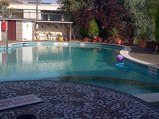 Templestowe Hotel: The heated pool.