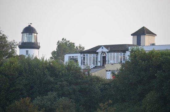 Hermanus Holidays: The Highwayman bar and restaurant overlooking the sea