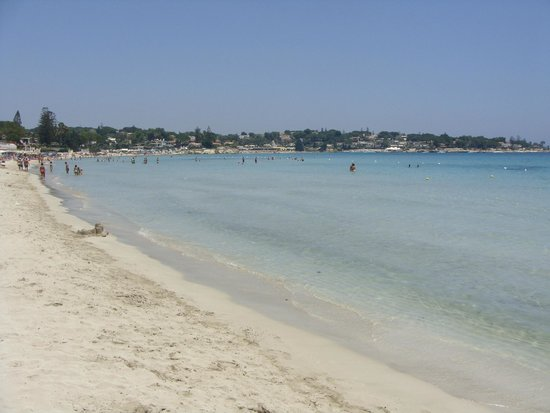Spiaggia Fontane Bianche: Fontane Bianche
