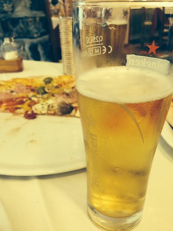 La Grotta: Pizza and cold beer