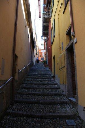 La Grotta: Stairway to Pizza