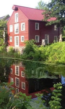 Porches on the Towpath : View on the Towpath