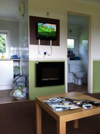 Bideford Bay Holiday Park - Park Resorts : Silver Chalet