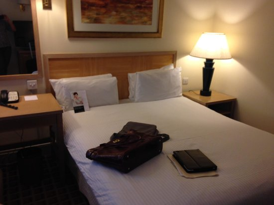 Copthorne Tara Hotel London Kensington: Standard room