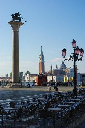 San Giorgio Maggiore: Вид с площади Сан-Марко