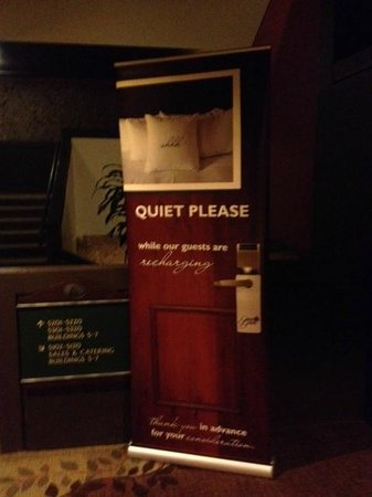 Grand Geneva Resort & Spa : When they have to remind guests to be quiet, beware!
