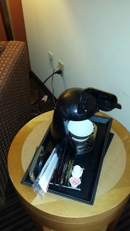 DoubleTree by Hilton San Francisco Airport: Coffee Maker needed to be moved as plug did not work