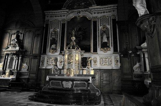 Eglise Saint-Sulpice de Fougeres: Le Choeur