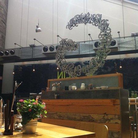 Generator Hostel Dublin: Cafe area