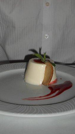 Voyage Belek Golf & Spa : Dessert in italian al la carte