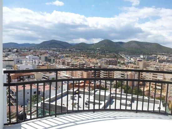 Hotel Cenit: huge balcony