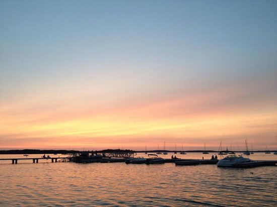 Memorial Union Terrace: The breathtaking sunset on lake Mendota