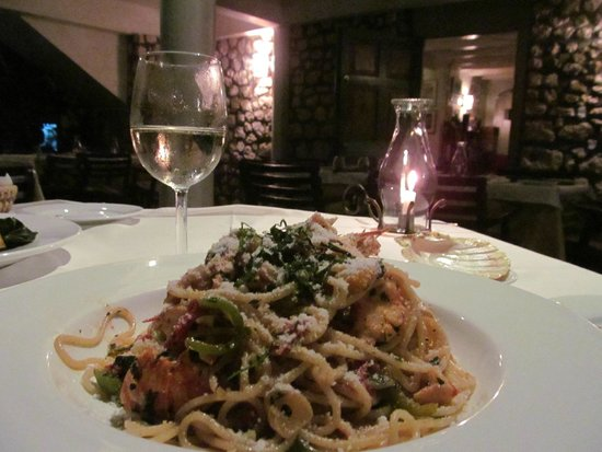 Toscanini Restaurant: Spaghetti and lobster