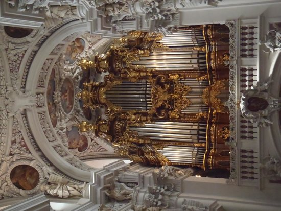 St. Stephen's Cathedral: The organ.