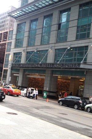 Trump International Hotel & Tower Toronto: Outside the trump
