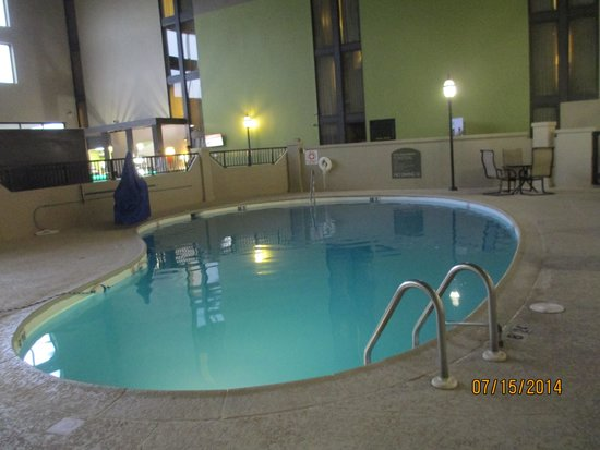 Holiday Inn Morgantown / PA Turnpike: Good sized pool