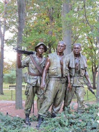 Vietnam Veterans Memorial: The Three Soldiers