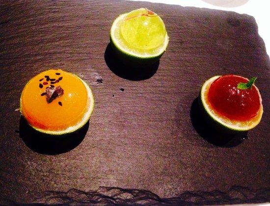 Caviar & Bull: Edible spheres