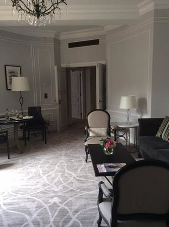Hotel Maria Cristina, a Luxury Collection Hotel, San Sebastian: living room in the grand suite