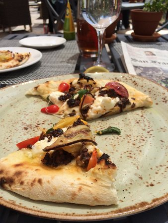 Jimmy's at The Landing Resort & Spa: Moussaka pizza (half gone)