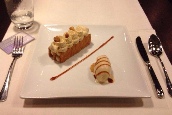 Renaissance Paris Le Parc Trocadero Hotel : Dessert