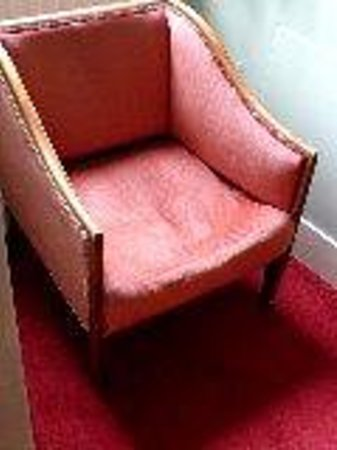 Holbrook House Hotel: chair