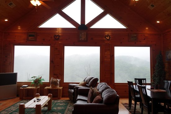 Gatlinburg Falls Resort: View From Living Room