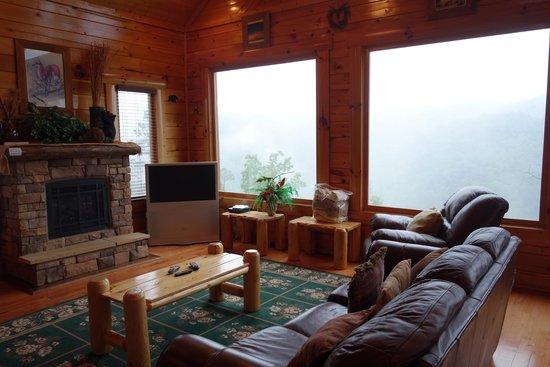 Gatlinburg Falls Resort: Living Room