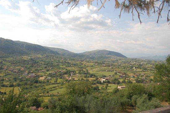 Nena al Borgo Castello: A view of the valley from Pico