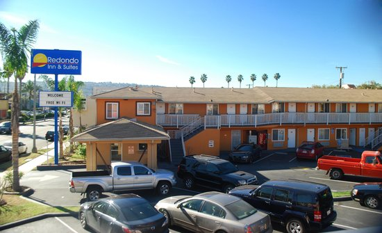 Redondo Inn and Suites: Hotel Exterior 2