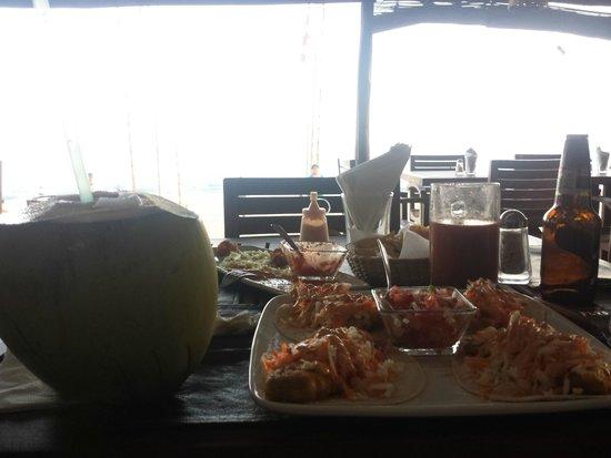 Hotel Nude Zipolite: relajante comer frente al mar